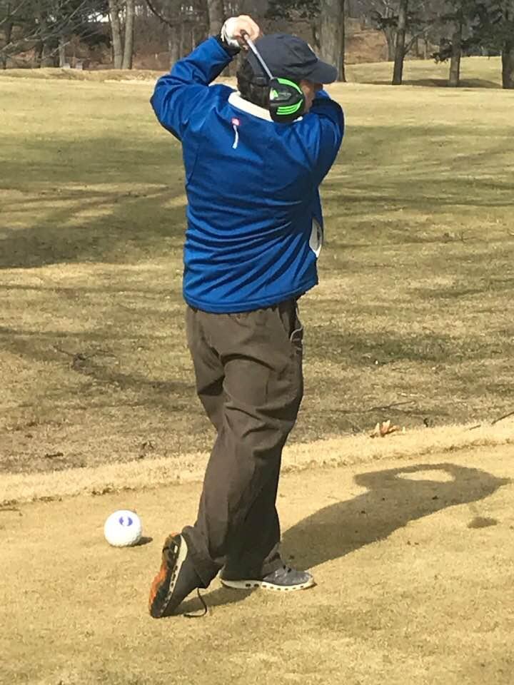 scott golfing